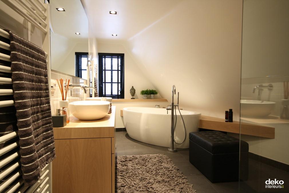 Tijdloze badkamer maatwerk interieurbouw van deko for Badkamer laten ontwerpen