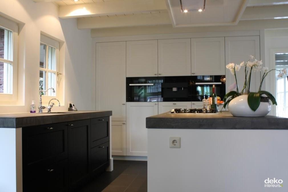 Stijlvolle keuken in gerenoveerd huis maatwerk interieurbouw van